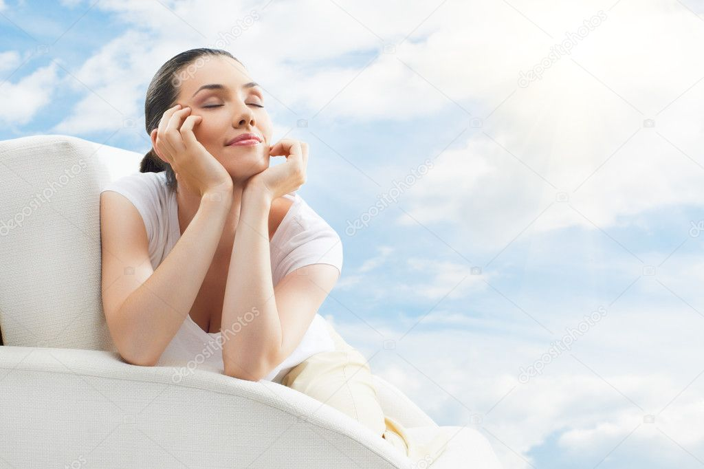 Girl relaxing on the couch — Stock Photo #6522849
