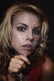 Блондинка женщина в Фата — Стоковое фото