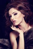 Kürk içinde harika kadın portresi. — Stok fotoğraf