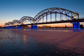 Railway bridge at night — Stockfoto