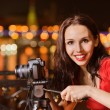 Woman photographs night landscape — Stock Photo