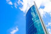 Skyscraper and Clouds — Stock Photo