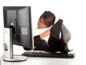 Moe zakenvrouw met computer — Foto de Stock