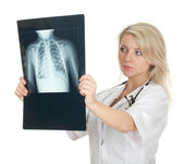 женщина-врач и рентген грудной клетки — Стоковое фото