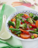 Diet soup with fresh vegetables — Stock Photo