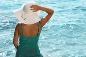 戴着帽子的女人 — 图库照片