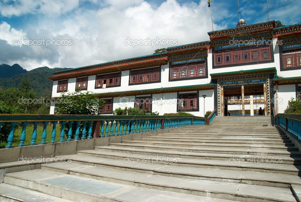 Traditional indian buddhistic monastery. In India, state Sikkim — Stock Photo #6209689