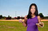 Asian Woman Baseball Player — Stock Photo