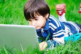 Happy children in nature outdoor — Stockfoto