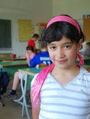 教室でかわいい女の子 — ストック写真