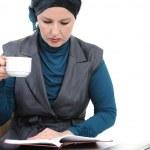 zelfverzekerd en prachtige Europese Moslimvrouw — Stockfoto