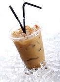 Soğuk kahve içecek — Stok fotoğraf