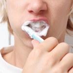 čištění zubů — Stock fotografie