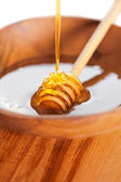 Bowl of fresh honey — Stock Photo