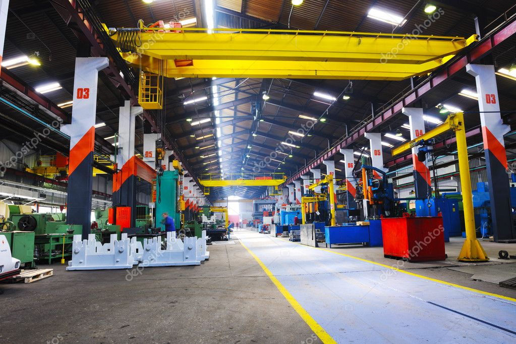 Industry factory iron works steel and machine parts modern indoor hall for assambly — Stok fotoğraf #5398331