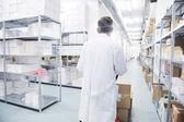 Medyczne fabryki materiałów wewnątrz magazynu — Zdjęcie stockowe