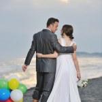 在日落的浪漫的海滩婚礼 — 图库照片
