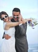 Romantic beach wedding at sunset — Stock Photo
