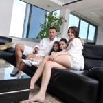自宅で若い家族 — ストック写真 #6021948