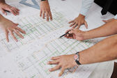 équipe des architectes sur le site de construciton — Photo