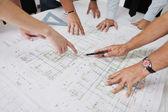 Equipe de arquitetos no site construciton — Foto Stock