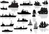 Conjunto de diferentes barcos negros aislados en blanco — Vector de stock