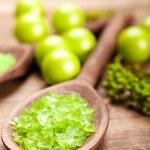 Green salt for aromatherapy — Stock Photo