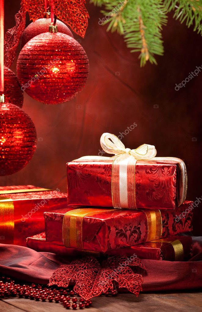 Christmas decoration - gifts and balls — Stock Photo #6519378