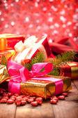 Boże narodzenie dekoracje - prezenty — Zdjęcie stockowe