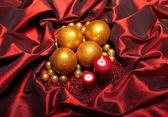 Vánoce - cetky a svíčky — Stock fotografie
