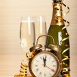 Happy new year - champagne and party decoration - Foto de Stock  