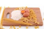 通心面、 面粉和鸡蛋 — 图库照片