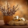 Easter - Golden eggs in the nest — Foto de Stock
