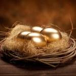 Golden easter eggs — Stock Photo #6672662