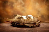 Golden easter eggs — Stockfoto