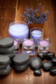 Hot stones and lavender minerals for aromatherapy — Zdjęcie stockowe