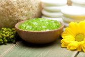 Flor de sal e amarelo de banho de cal — Foto Stock
