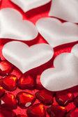 白と赤の心 — ストック写真