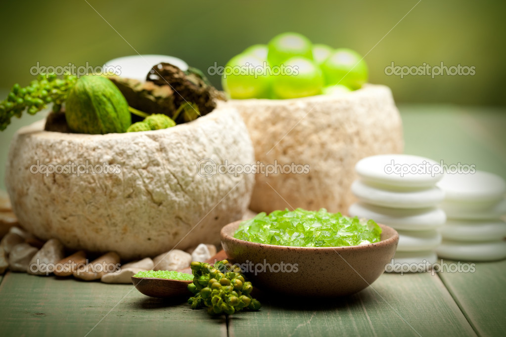 Aromatherapy - Lime bath salt  — Stock Photo #6696824