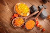 Orange salt and spa stones — Stock Photo