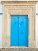 Traditional Tunisian front door — Stock Photo