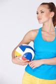 Frau mit Volley-ball — Stockfoto