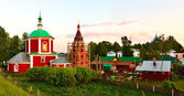Dormition of The Theotokos Cathedral (XVII) in Suzdal at sunset — Stock Photo