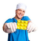 Médico con medicamentos — Foto de Stock