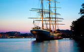 Statek na zachód słońca, Sztokholm, Szwecja — Zdjęcie stockowe