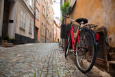 A bike in the old town of stockholm — Stock Photo