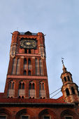 Gothic tower of town hall in Torun, Poland. — Foto de Stock