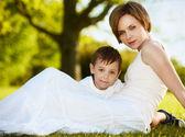 Gelukkig moeder met een kind — Stockfoto