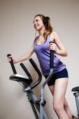 運動クラブのトレーナーの女の子 — ストック写真