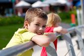 Kleine jongen glimlachen — Stockfoto